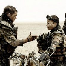 Mad Max: Fury Road - Tom Hardy si confronta con Charlize Theron
