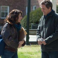 Professore per amore: Hugh Grant con la sua allieva Marisa Tomei in un'immagine tratta dal film