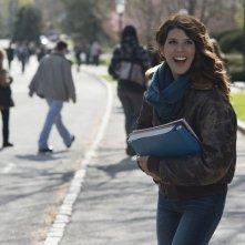 Professore per amore: Marisa Tomei allegra e sorridente in una scena del film