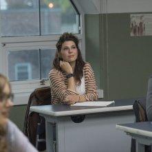 Professore per amore: Marisa Tomei tra i banchi di scuola in una scena del film