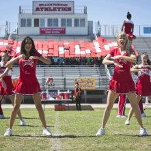 Glee: Naya Rivera e Heather Morris in una scena di Homecoming
