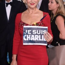 Golden Globes 2015: Helen Mirren ricorda le vittime dell'attentato di Parigi