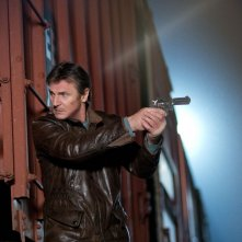 Run All Night: Liam Neeson in una scena action del film