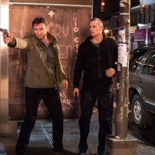Run All Night: Liam Neeson insieme a Joel Kinnaman in una scena del film action