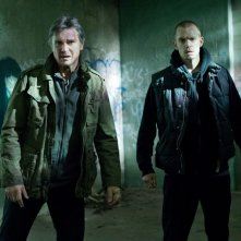 Run All Night: Liam Neeson in una scena del film con Joel Kinnaman