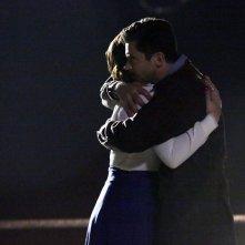 Agent Carter: Hayley Atwell e Dominic Cooper in una scena della première
