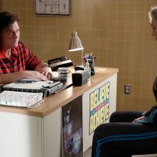 Glee: Dot Jones e Jane Lynch in una sequenza dell'episodio Jagged Little Tapestry
