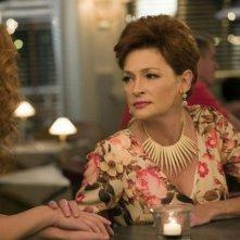 Revenge: le attrici Elena Satine e Carolyn Hennesy in Abduction