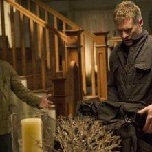 Revenge: Nick Wechsler e James Tupper in Abduction