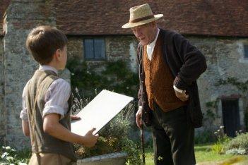 Mr. Holmes - Il mistero del caso irrisolto: Ian McKellen a colloquio con un giovane amico