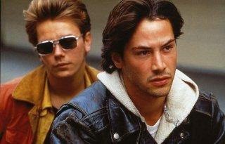 Belli e dannati: Keanu Reeves e River Phoenix in una scena del film