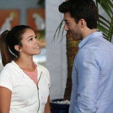 Jane the Virgin: Gina Rodriguez e Justin Baldoni in Chapter Ten