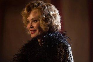 American Horror Story Freak Show: Jessica Lange interpreta Elsa Mars nell'episodio Curtain Call