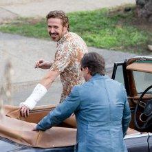 The Nice Guys - Ryan Gosling e Russell Crowe scherzano sul set