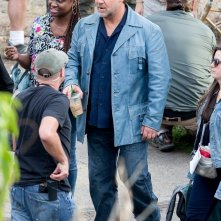 The Nice Guys -  Russell Crowe durante una pausa sul set