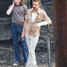 The Nice Guys - Ryan Gosling e Jack Kilmer al lavoro sul set