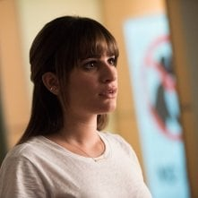 Glee: l'attrice Lea Michele in una scena di The Hurt Locker, Part 1