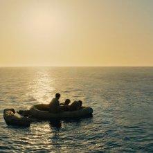 Unbroken: i tre naufraghi americani in una scena del film