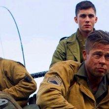 Fury: Brad Pitt con Shia LaBouef e Logan Lerman in un momento del film