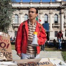 Italiano medio: Maccio Capatonda nei panni di Giulio Verme in una scena del film