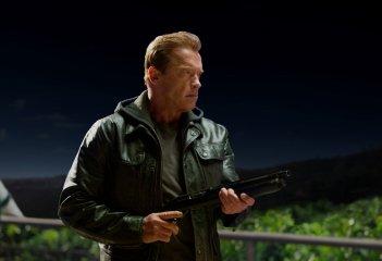 Terminator: Genisys - Arnold Schwarzenegger in una sequenza del film diretto da Alan Taylor