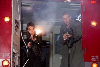 Terminator: Genisys - l'attrice Emilia Clarke in una scena del film