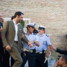 Leoni: Neri Marcorè con Stefano Pesce e Michele De Marchi in una scena