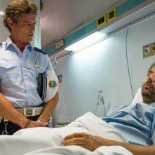 Leoni: Neri Marcorè con Stefano Pesce in una scena