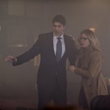 Arrow: Brandon Routh ed Emily Bett Rickards in Midnight City