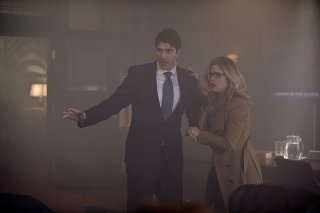 Arrow: Brandon Routh ed Emily Bett Rickards in Midnight City