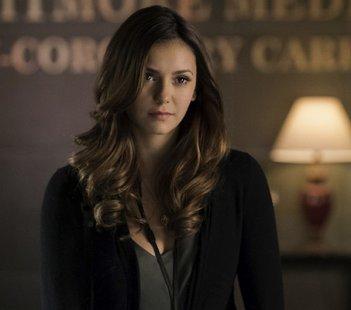 The Vampire Diaries: Nina Dobrev interpreta Elena Gilbert in Prayer For the Dying