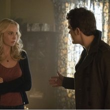 The Vampire Diaries: Candice Accola e Paul Wesley nella puntata intitolata Prayer For the Dying