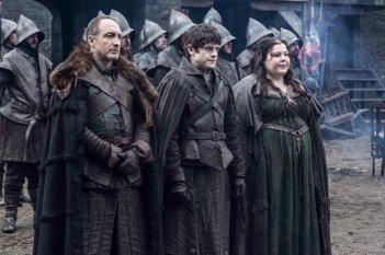 Il trono di spade: Michael McElhatton, Iwan Rheon ed Elizabeth Webster in una scena della quinta stagione