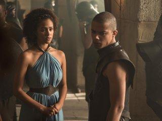 Il trono di spade: Nathalie Emmanuel e Jacob Anderson in una scena dei nuovi episodi