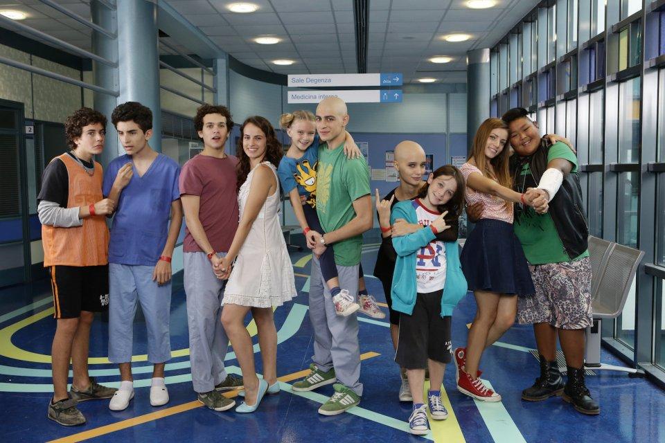 Braccialetti rossi 2: una foto promozionale del cast della serie Rai