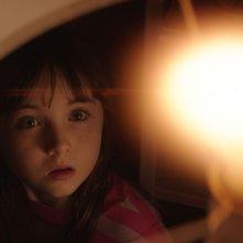 Poltergeist - la piccola Kennedi Clements in una scena