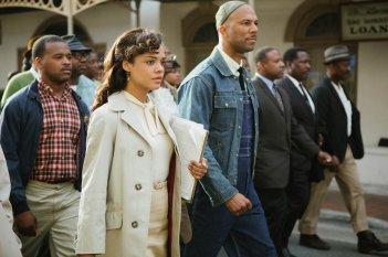 Selma - La strada per la libertà: Tessa Thompson in una scena insieme a Common
