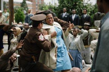 Selma - La strada per la libertà: Oprah Winfrey in una drammatica scena del film