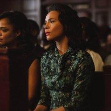 Selma - La strada per la libertà: Carmen Ejogo con Tessa Thompson in una scena del film