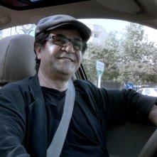 Taxi Teheran: il regista e protagonista del film Jafar Panahi in una scena