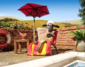 Shaun, Vita da Pecora - Il Film: la pecora Shaun si rilassa in una scena del film d'animazione
