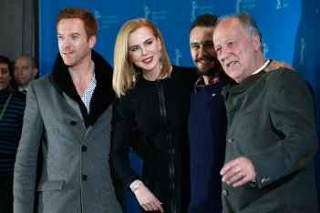 Queen of the Desert: il regista Werner Herzog circondato da Nicole Kidman, James Franco e Damian Lewis