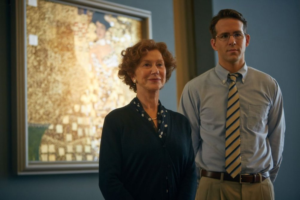 Woman in Gold: Ryan Reynolds insieme a Helen Mirren in una scena