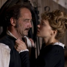 Diary of a Chambermaid: Léa Seydoux con Vincent Lindon in un'immagine del film