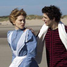 Diary of a Chambermaid: Léa Seydoux con Vincent Lacoste in una scena del film drammatico
