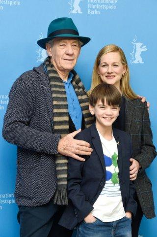 Mr. Holmes - Il mistero del caso irrisolto: Ian McKellen, Laura Linney e il piccolo Milo Parker a Berlino