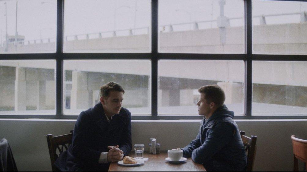 I Am Michael: James Franco con Charles Carver in una scena del film