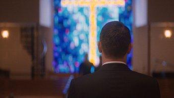 I Am Michael: James Franco di spalle in una scena del film