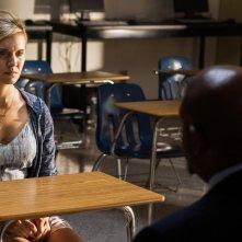 Taken 3 - L'ora della verità: Maggie Grace interrogata da Forest Whitaker in una scena del film