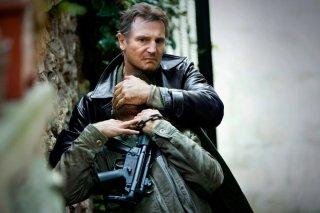 Taken 3 - L'ora della verità: Liam Neeson in azione in una scena del film